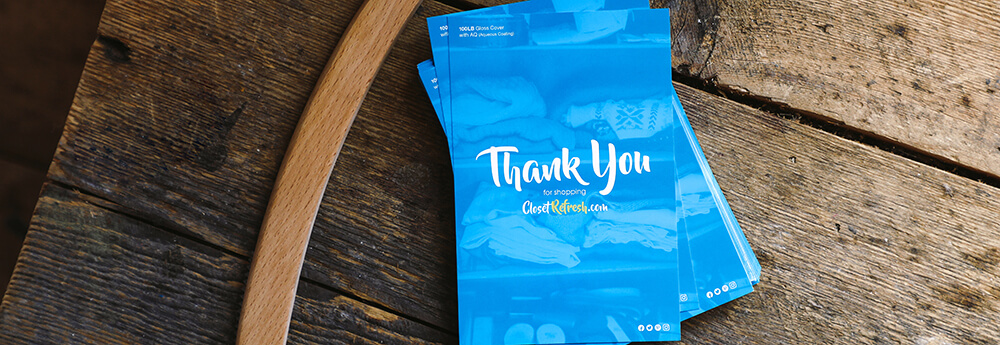 Use postcards as business thank you cards. Show your thanks to your customers.